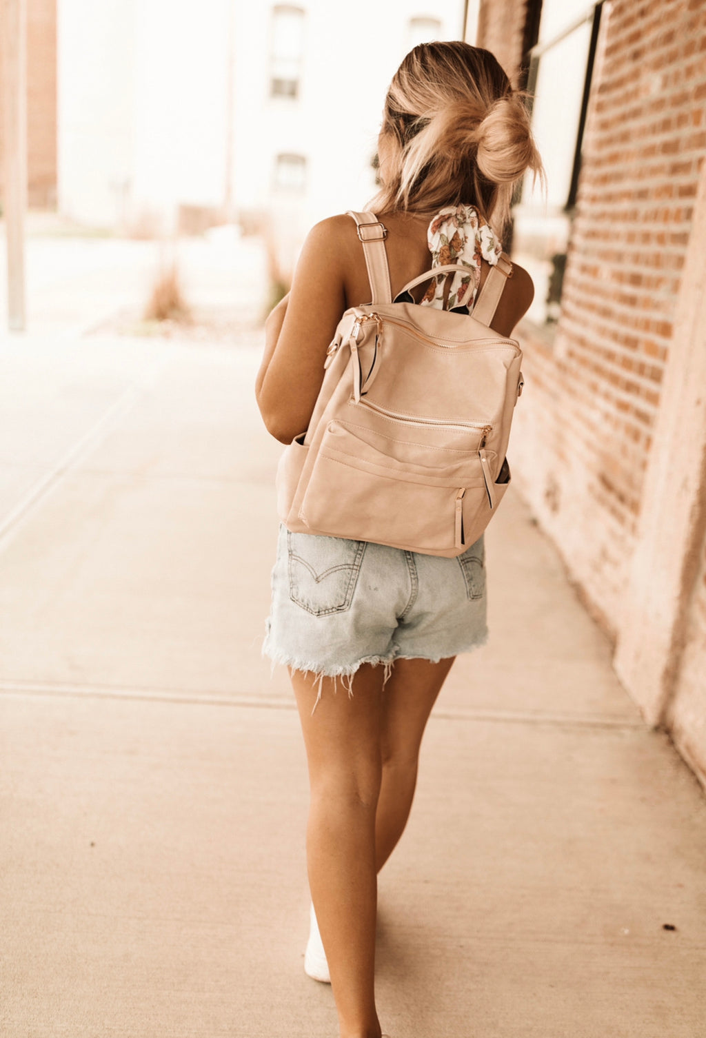 LEATHER BACKPACK - Cream