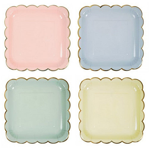 Pastel Plates in assorted colors in light pink, light blue, light green and light yellow