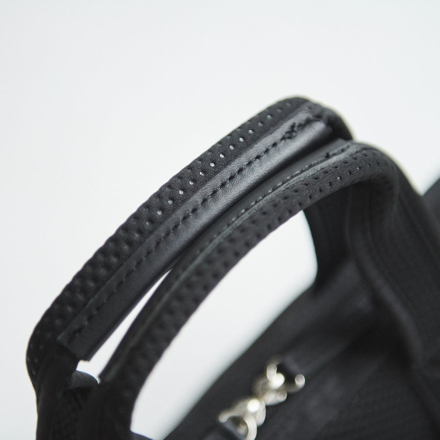 ZIPPER TOP TOTE/S