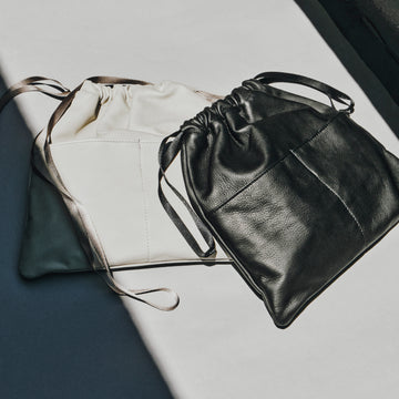 WATER PROOF LEATHER POUCH/M
