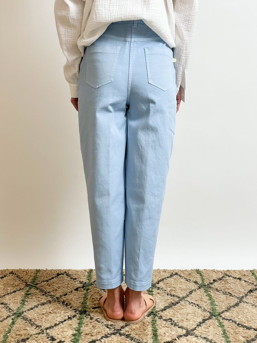 Cropped Jeans With Front Pleats