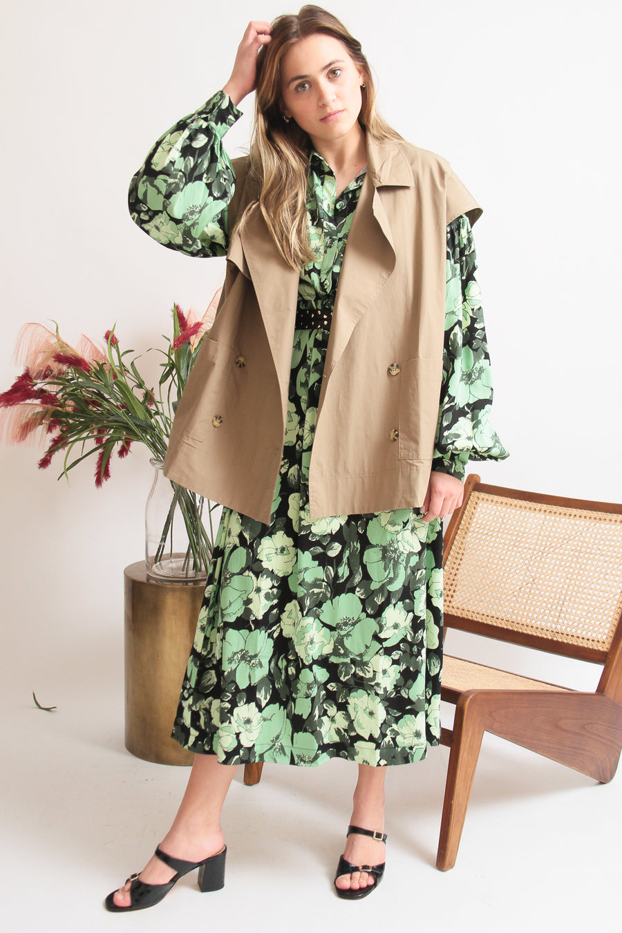 Short Sleeveless Trench
