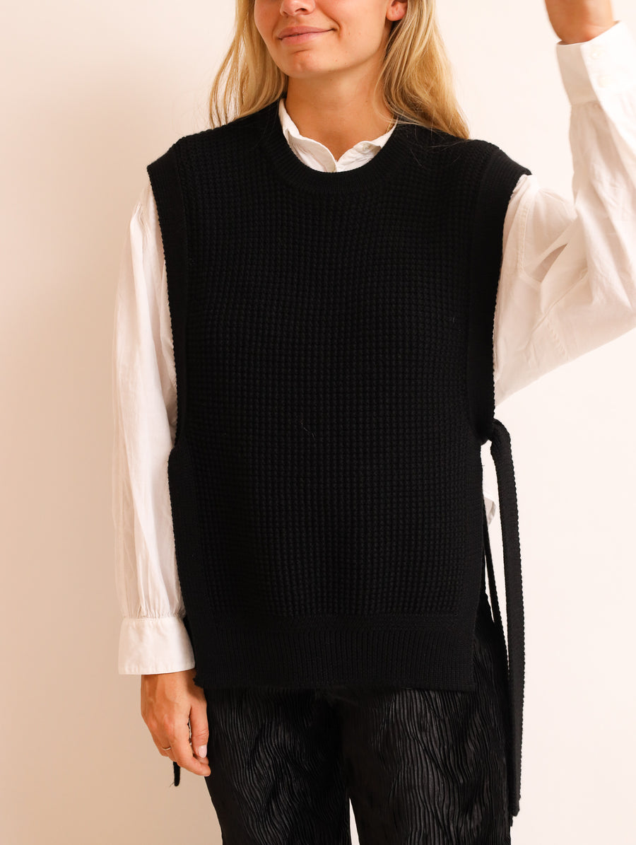 Sleeveless Knitted Vest