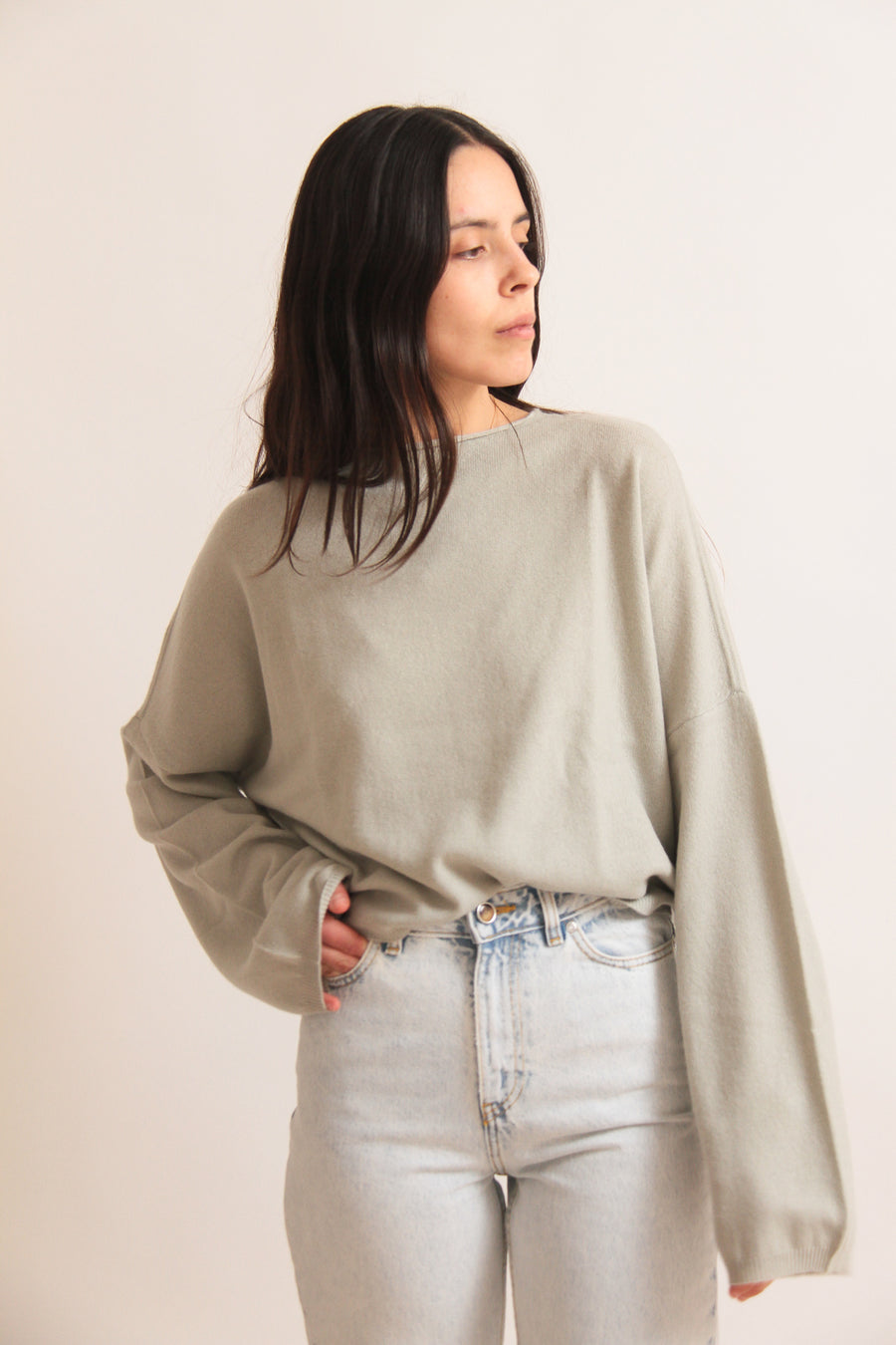 Extra Long Sleeved Cashmere Jumper
