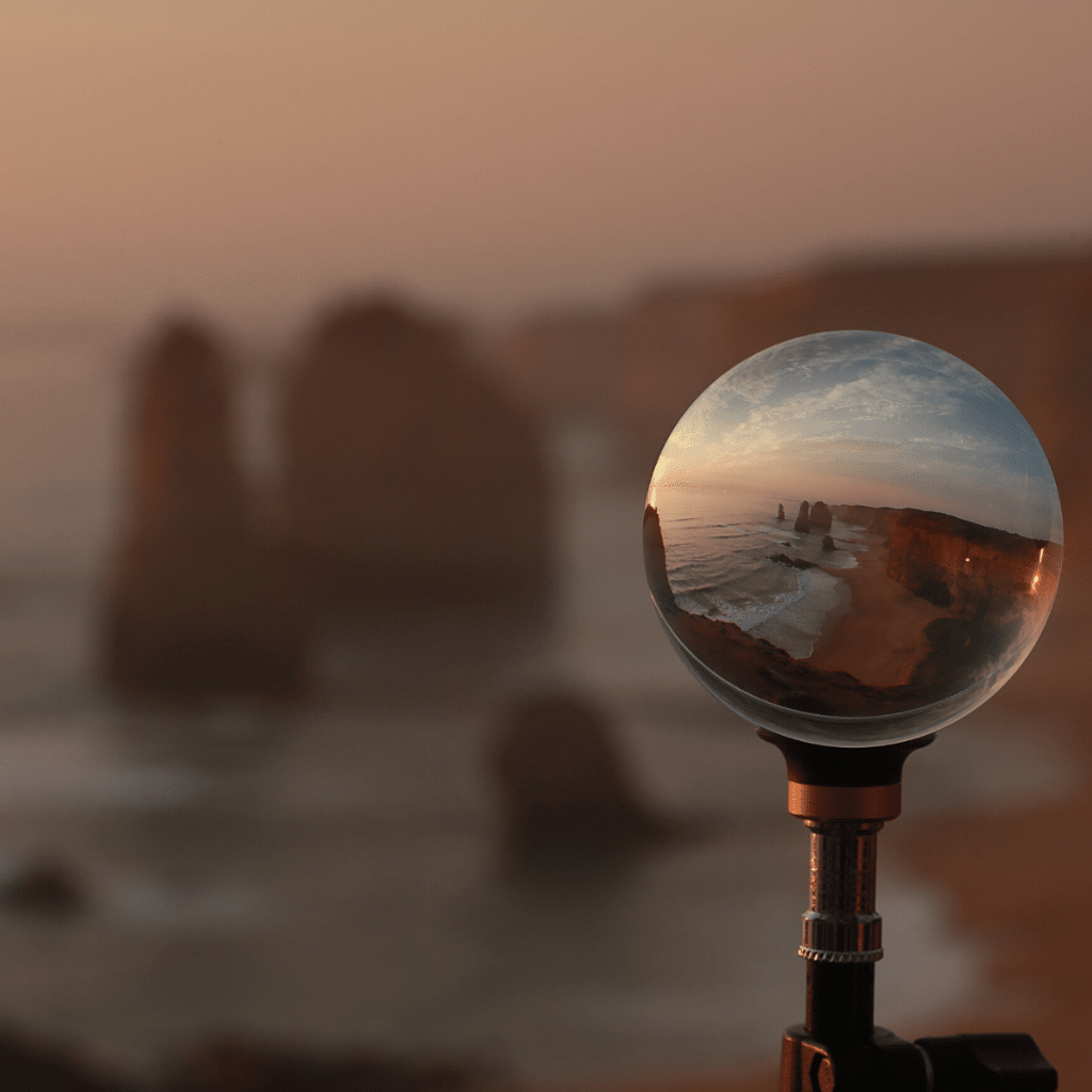 Lensball Stand at 12 Apostles