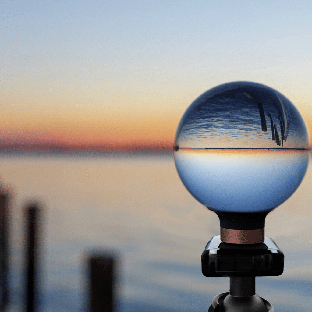 Lensball with Horizon