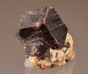 Garnet var. Almandine from Green's Farm, Roxbury, Connecticut, USA