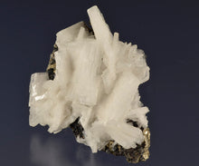 Load image into Gallery viewer, Barite from Huanzala Mine, Dept. Huanuco, Peru