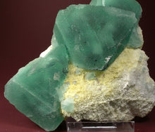 Load image into Gallery viewer, Fluorite from Ruyuan Mine, Guangdong Province, China