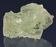 Load image into Gallery viewer, Fluorite from Xianghuapu Mine, Hunan Province, China