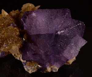 Fluorite from Huanggang Mine, Ulanhad League, Inner Mongolia