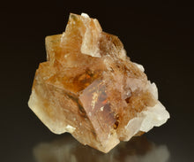 Load image into Gallery viewer, Fluorite from Kraemer+Sons Quarry, Clay Center, Ohio, USA