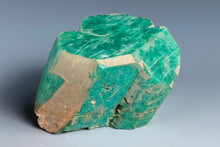 Load image into Gallery viewer, Feldspar variety Amazonite from Lake George, Park Co., Colorado, USA