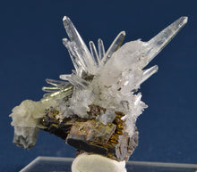 Load image into Gallery viewer, Quartz from Yaogangxian Mine, Hunan Province, China