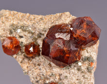 Load image into Gallery viewer, Garnet var. Spessartine from Tongbei, Fujian Province, China