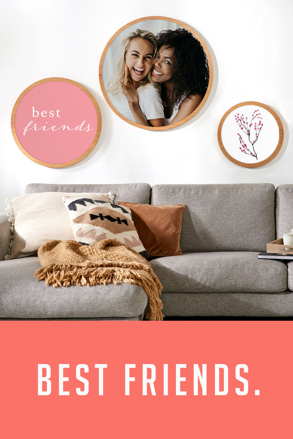 Your photo motif with round picture frame