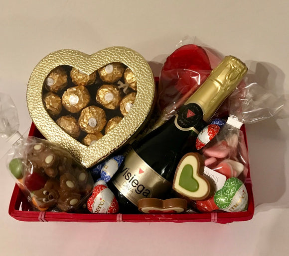 Geschenkmand 'love is in the air'