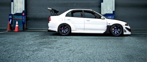 Feature : Lone Surviving Evo 6