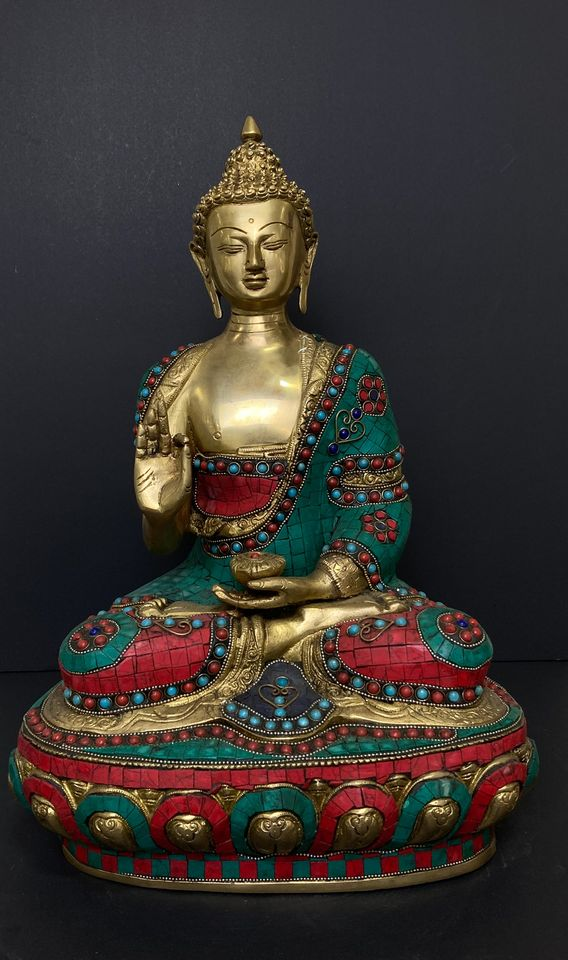 Bronze Buddha Sculpture Engraved With Luxurious Turquoise Along with Balas Rubies