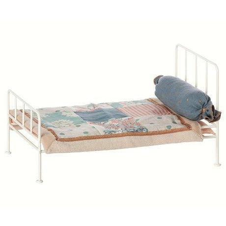 Medium - Romantic Metal Bed - Off White