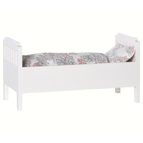 Small Wood Bed - Off White
