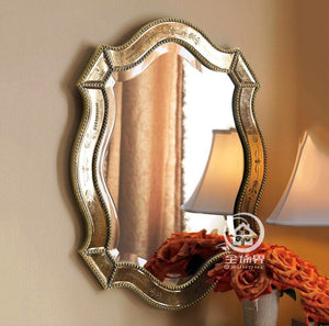 Antique finished wall mirror - decoratebyyou