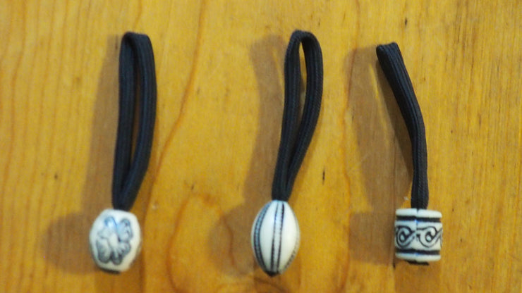 Zipper pull white and black beads set of three