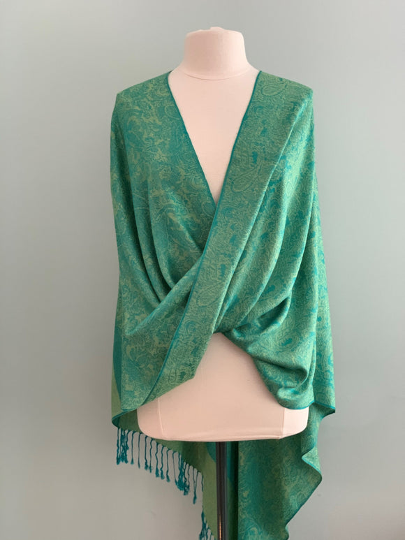 113 Green Tiffany Cape