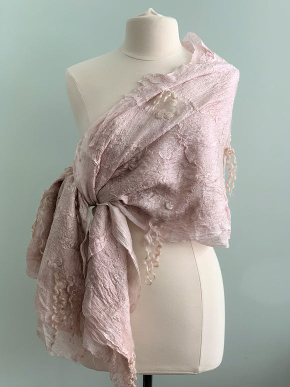 520 Shawl Champagne Shawl Shabby Chic- Silk and Wool