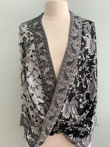 299 Black and White Pashmina Tiffany Cape