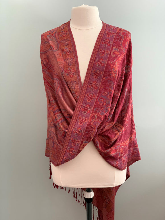 390 Burgundy Tiffany Cape