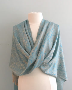 100 Blue and Beige Tiffany Cape