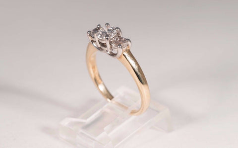 14k Yellow Gold three stone Diamond Band. app. 1.5 ct, tw. G SI 1 Size 9
