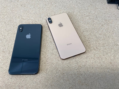 What Color Does the iPhone XS Max Come In?