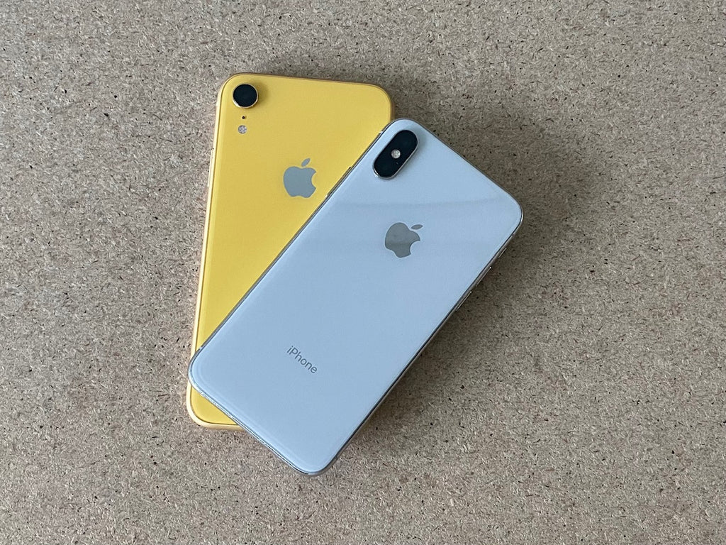 iPhone XR and iPhone X side by side