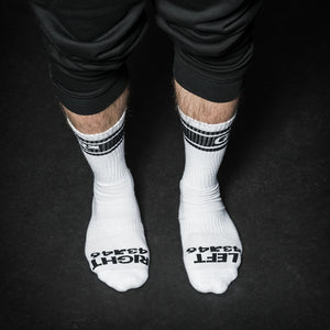 Load image into Gallery viewer, SMELLY SOCKS WHT/BLK