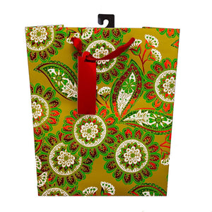 The Gift Wrap Company 12 Count Xmas Gift Bags, Medium, Festive Garland Christmas Design with Foil Finish