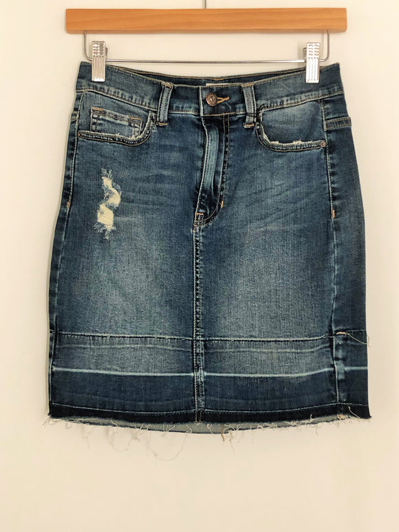 High Rise Frayed Hem Denim Skirt
