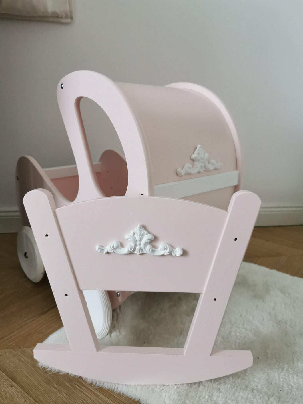 Rocking Cradle Pink Retro - Mincia Studio