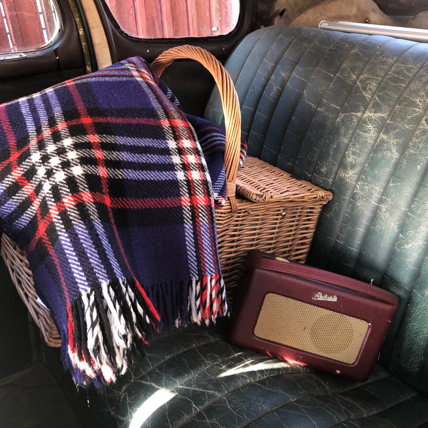 15 Great Reasons to Always Keep a Wool Blanket in your Car