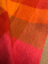 Load image into Gallery viewer, Rare Design Bright 1970's Onehunga Woollen Mills SINGLE Wool Blanket - Fresh Retro Love NZ Wool Blankets