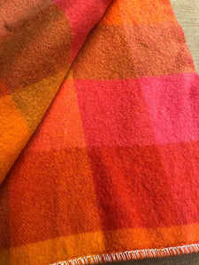 Rare Design Bright 1970's Onehunga Woollen Mills SINGLE Wool Blanket with Tiki Label