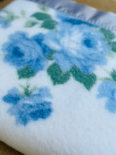 Load image into Gallery viewer, BARGAIN SPECIAL!  KING SINGLE 1960's Blanket Pretty Retro (Synthetic)