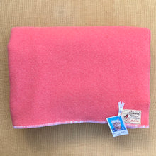 Load image into Gallery viewer, Warm Pink Thick DOUBLE Wool Blanket - Robinwul