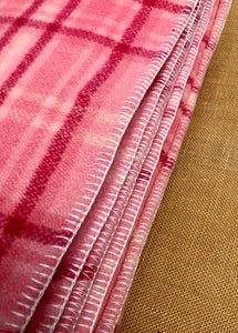 Brightest Pink KING SINGLE Wool Blanket - So beautiful! - Fresh Retro Love NZ Wool Blankets