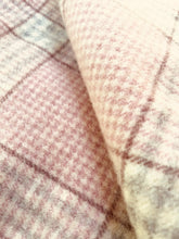 Load image into Gallery viewer, Stunning Vintage KING SINGLE Pure New Zealand Wool Blanket.