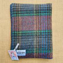 Load image into Gallery viewer, Gentlemanly KNEE/OFFICE/PRAM blanket in cool grey check colours