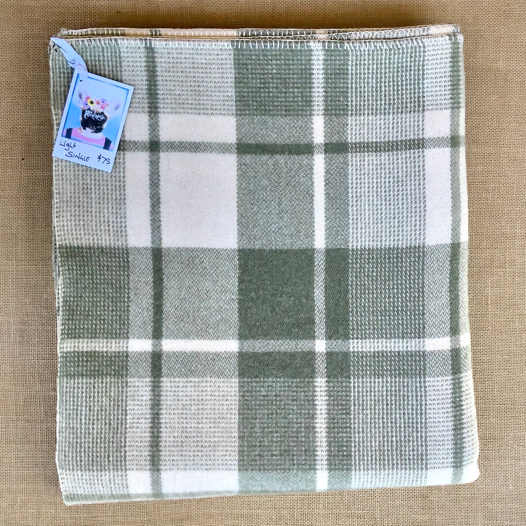 Moss Green & Cream SINGLE Pure Wool Blanket. - Fresh Retro Love NZ Wool Blankets