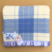 Load image into Gallery viewer, Beautiful Dream Blanket DOUBLE Pure Wool Blanket. - Fresh Retro Love NZ Wool Blankets