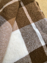 Load image into Gallery viewer, Lovely Thick New Zealand Wool SINGLE Blanket, Smith & Brown Onehunga - Fresh Retro Love NZ Wool Blankets